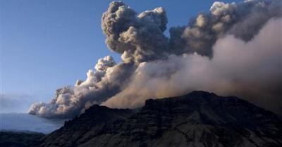 Percaya Gak Percaya! Mbah Mijan Sebut 4 Gunung Bakal Meletus di 2019