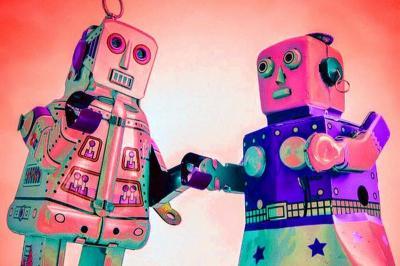Orang-Orang yang Jatuh Cinta dengan Robot, Bikin Geleng-Geleng Kepala