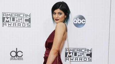 Setelah Kim Kardashian, Kini Kylie Jenner Jiplak Gaya Naomi Champbell