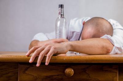 Apa yang Terjadi Pada Tubuh saat Anda Mabuk Alkohol?
