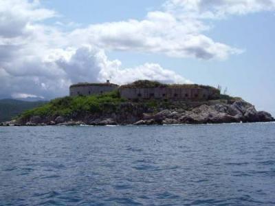Pulau Angker Bekas Penjara Perang Dunia II Disulap Jadi Resort Mewah, Seperti Apa Penampakannya?
