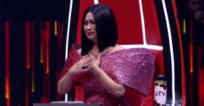Titi DJ Menangis di Panggung The Voice Indonesia, Ada Apa?