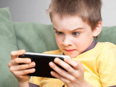 Moms, Begini Cara Atasi Anak Kecanduan Main Game Online