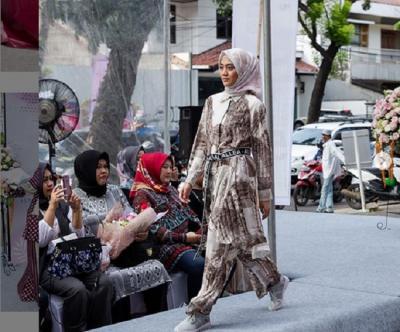 Desain Busana Muslim Bergaya Dinamis, Cocok untuk Milenial