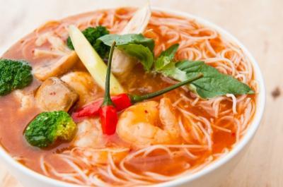 Capres Pilihan Kalah Sementara? Mending Makan Dulu Tom Yum Noodle