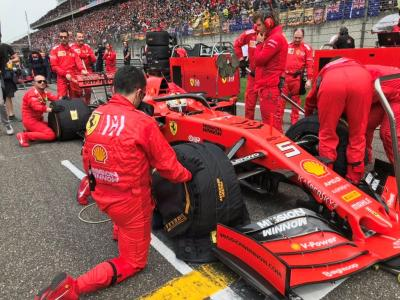 Eks Pembalap Ferrari Sebut Vettel Tengah Tertekan
