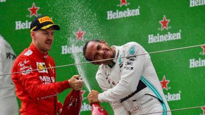 Hamilton Penasaran dengan Penampilan Ferrari di F1 GP Azerbaijan 2019