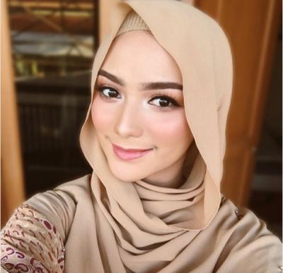 Gaya Citra Kirana Berbusana Muslim, Cocok untuk Ngabuburit