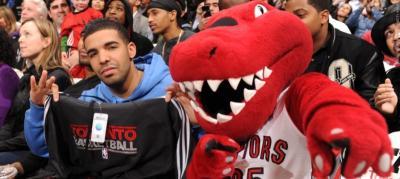 Tak Ingin Terkena Kutukan, Radio Milwaukee Ogah Siarkan Lagu Drake