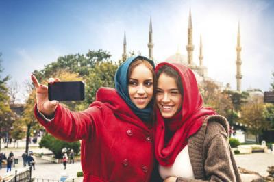 Ibadah Umrah dan Wisata Religi Mulai Dilirik Milenial