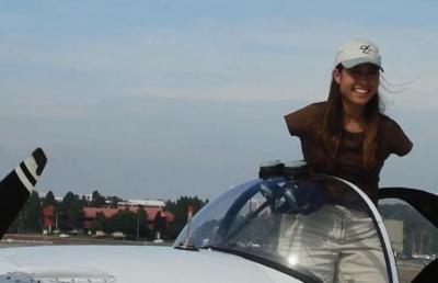 Lahir Tanpa Lengan, Perempuan di Arizona Dapatkan Lisensi Menerbangkan Pesawat dengan Kaki