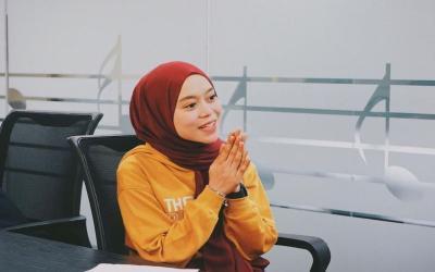 Selain Penyanyi Dangdut, Profesi Ini Juga Dijalani oleh Lesty Andryani