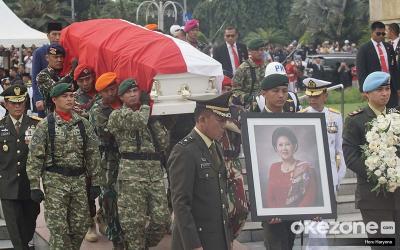 SBY Sebut Arwah Ibu Ani Masih Bersama Kita, Benarkah Demikian?
