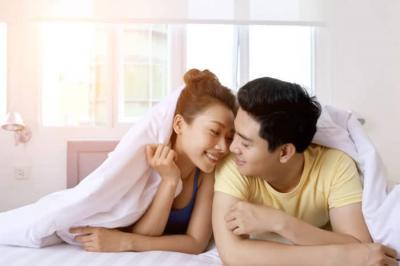 5 Posisi untuk Redakan Nyeri saat Berhubungan Seks