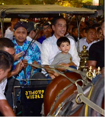 Super Gemas! Ini 5 Potret Kedekatan Jokowi dan Cucunya Jan Ethes