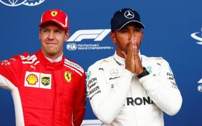Bicara Soal Mesin, Hamilton Sebut Mercedes Masih Kalah dari Ferrari