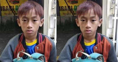 Kisah Haru Bocah Penjual Keripik di Bandung Bermimpi Jadi Pemain Bola