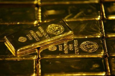 Harga Emas Naik di Tengah Pelemahan Dolar dan Wall Street