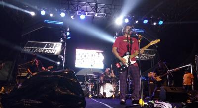 Hentak Panggung Magnumotion 2019, Rocket Rockers: Semoga Didengar Mantan