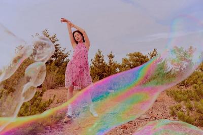 Rilis Foto Teaser Mini Album Musim Panas, Wendy Red Velvet Tampil Memesona