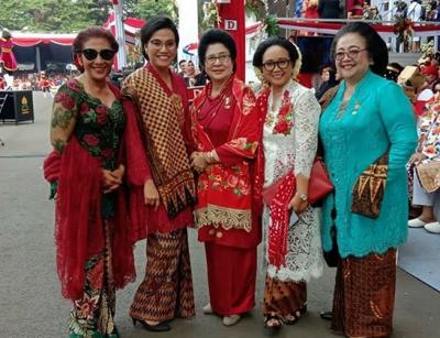 Berkacamata Hitam, Ini Potret Susi Pudjiastuti Bersama Istri Menteri di Istana