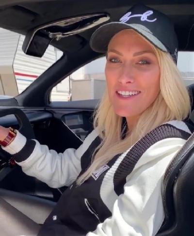 Supercar Blondie Ungkap Keunggulan Mobil Listrik Lotus