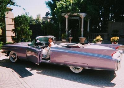 Koleksi Mobil Klasik Kendall Jenner yang Bisa Bikin Meleleh Laki-Laki