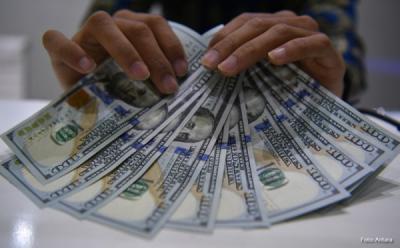 Dolar AS Perkasa terhadap Yen dan Franc