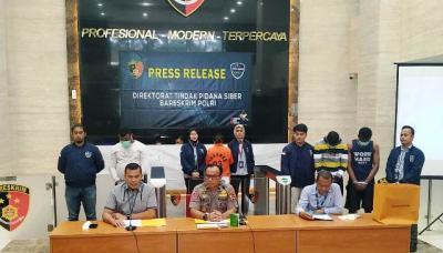 Kabur ke Malaysia, Bos Sindikat Penipuan Online Ditangkap