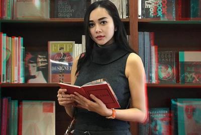 Aura Kasih Ingin Penjarakan Kritikus Film Gara-gara Cuitan 'Pabrik Susu'
