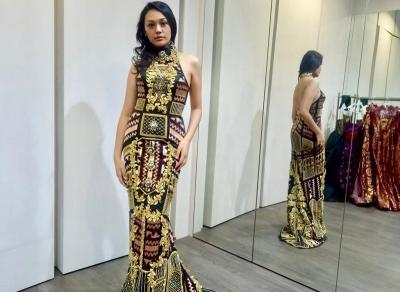 Intip Keseruan Princess Megonondo Fitting Gaun Jelang Miss World 2019