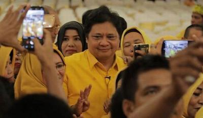 Tak Cuma Dekat dengan Jokowi, Kepemimpinan Airlangga di Golkar Terbilang Sukses