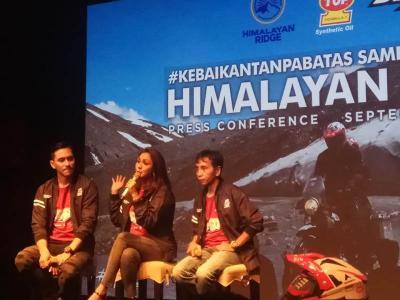 Touring Gunakan Motor, Darius & Donna Sukses Taklukan Pegunungan Himalaya