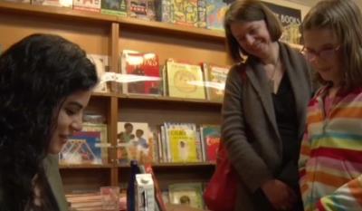 Hena Khan Menepis Islamofobia Lewat Buku