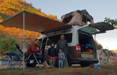 Kisah Donny Kris, Traveling Keliling Indonesia Bersama Keluarga dengan Campervan