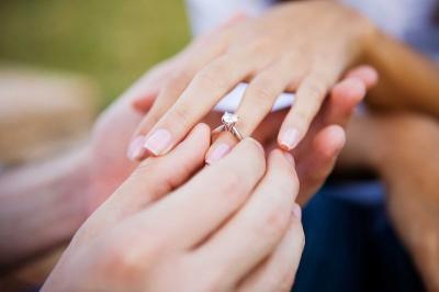 Batas Usia Perkawinan Jadi 19 Tahun, BKKBN Punya Standar Sendiri!