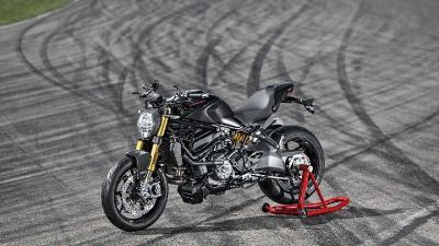 Nuansa Serba Hitam dalam Pembaruan Ducati Monster 1200