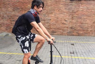 Ketularan Nugie, Aryo Wahab Gemar Bersepeda ke Lokasi Manggung