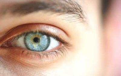 7 Gerakan Simpel untuk Atasi Mata Lelah