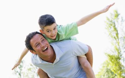 Anak yang Dekat dengan Ayah Pintar Pecahkan Berbagai Masalah