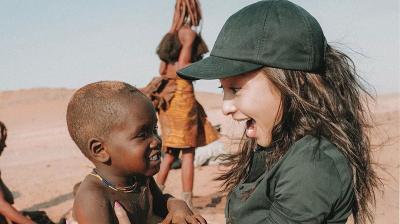 Intip Foto Nikita Willy Main Bareng Anak Namibia