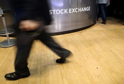 Wall Street Dibuka Menguat Menanti Hasil Pertemuan AS-China
