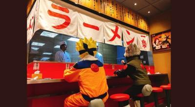 Bukan Garpu, Restoran Ini Sediakan Kunai untuk Makan Mi Ramen