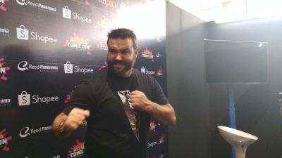 Austin St John Tantang Pengunjung Indonesia Comic Con Bela Diri