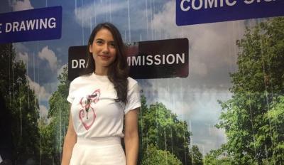 Pevita Pearce Dapat Kejutan Ulang Tahun di Indonesia Comic Con 2019