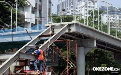 Kerap Ditabrak Kontainer, JPO Halte TransJakarta Grogol Rampung Diperbaiki