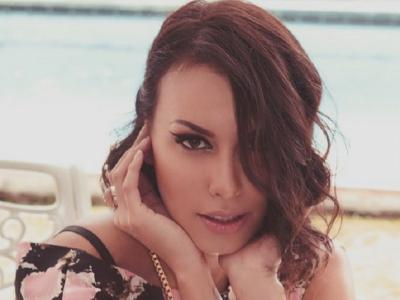 Liburan ke Bali Berbikini, Body Goals Sophia Latjuba Sukses Bikin Netizen Iri