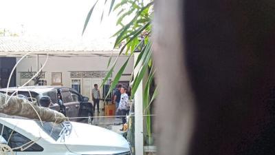 Pasca-OTT, KPK Geledah Rumah Supendi di Indramayu