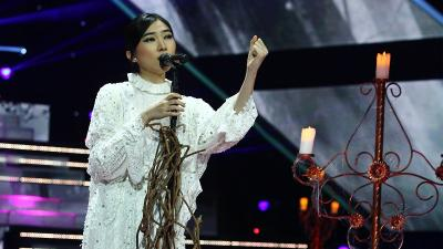Mengintip Gaya Berjoget Isyana Sarasvati di The Voice Indonesia 2019
