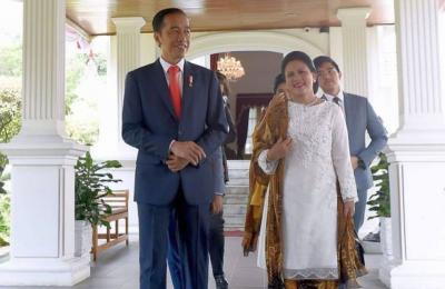 Berkenalan dengan Tuty Adib, Desainer di Balik Busana Anggun Iriana Jokowi
